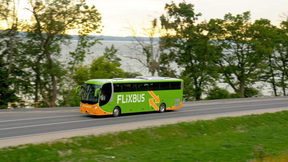 FlixBus przemaluje Polskiego Busa