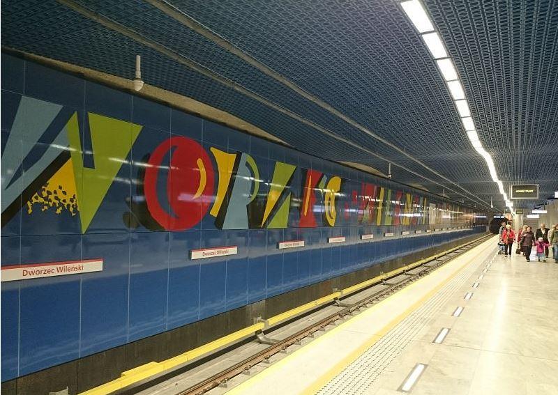 Warszawiacy niezmiennie zadowoleni z metra