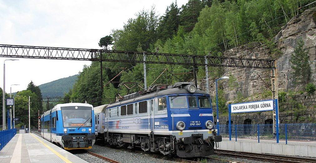 Historia linii kolejowej Jelenia Góra – Szklarska Poręba