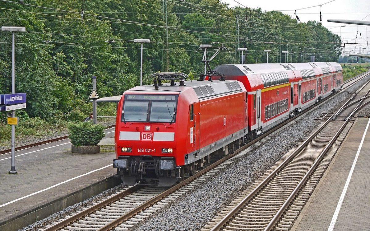 Integracja: Podróżując z Deutsche Bahn pojedziemy transportem miejskim na bilecie kolejowym