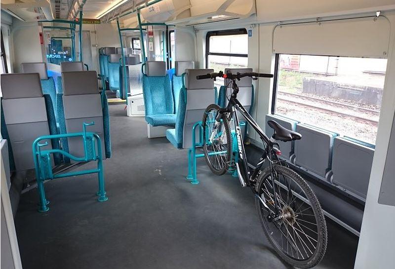 Kolejny przewoźnik wprowadza opłatę za przewóz roweru