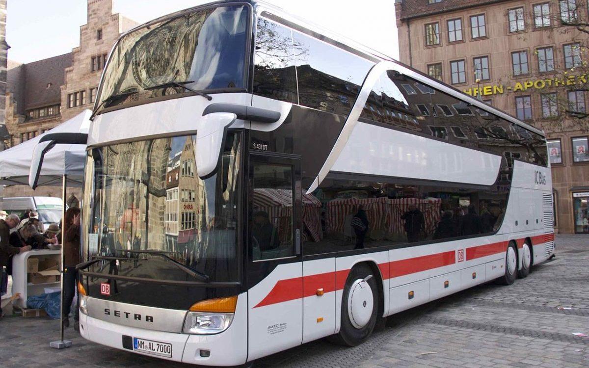Deutsche Bahn wchodzi na trasę Warszawa – Berlin… z autobusami