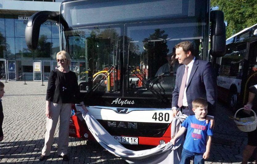 Autobusy i tramwaje niejedno mają imię