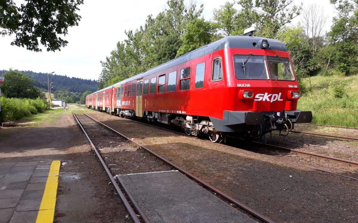 Pociągiem w Bieszczady – przegląd wakacyjnej oferty