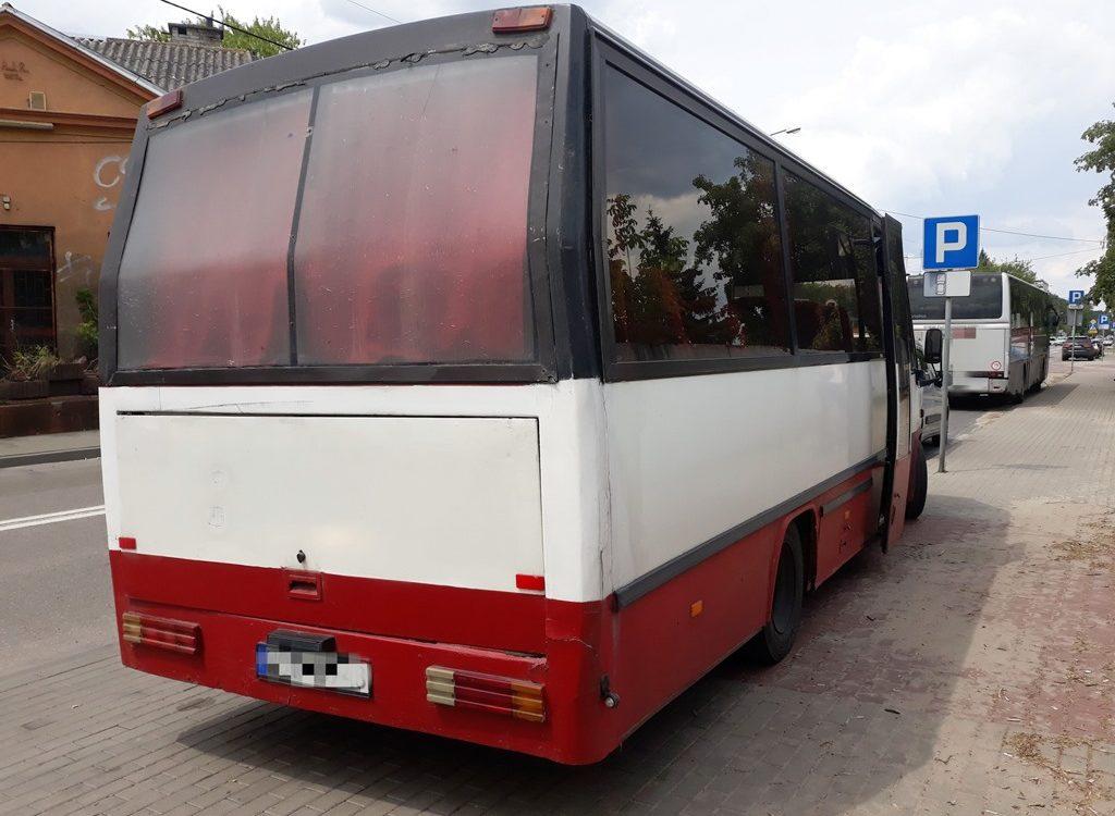 Otwock. Rozpadający się autobus woził pasażerów [zdjęcia]