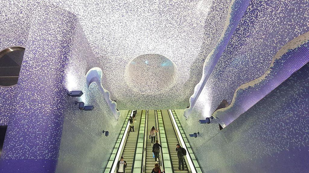 [QUIZ] Najpiękniejsze stacje metra. Wiecie, gdzie się znajdują?