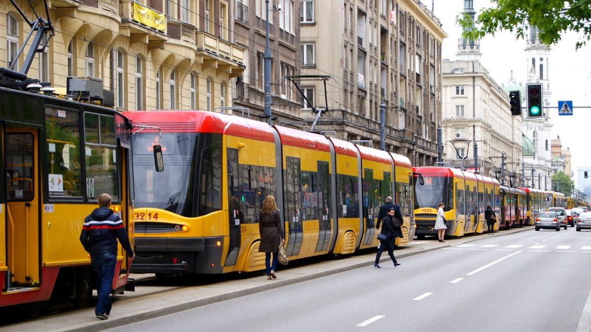 Szukamy najwolniejszej linii autobusowej i tramwajowej w Polsce!