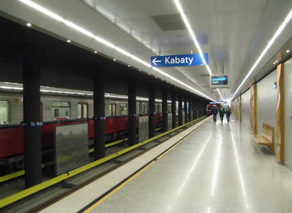 Szminka powodem ewakuacji w metrze. Czy to nie przesada?