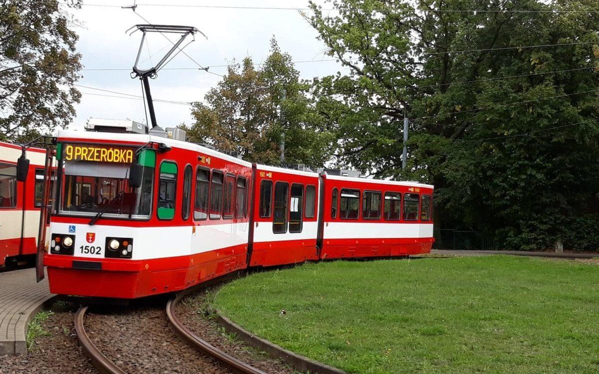 25 lat tramwajów niskopodłogowych  w Polsce. Jak sprawują się pierwsze egzemplarze?