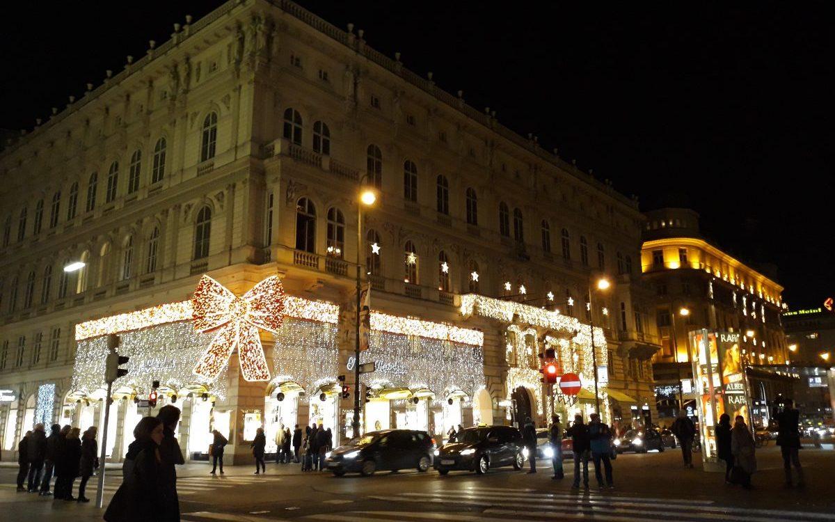 Pociągiem na zagraniczne jarmarki bożonarodzeniowe – jak dojechać?