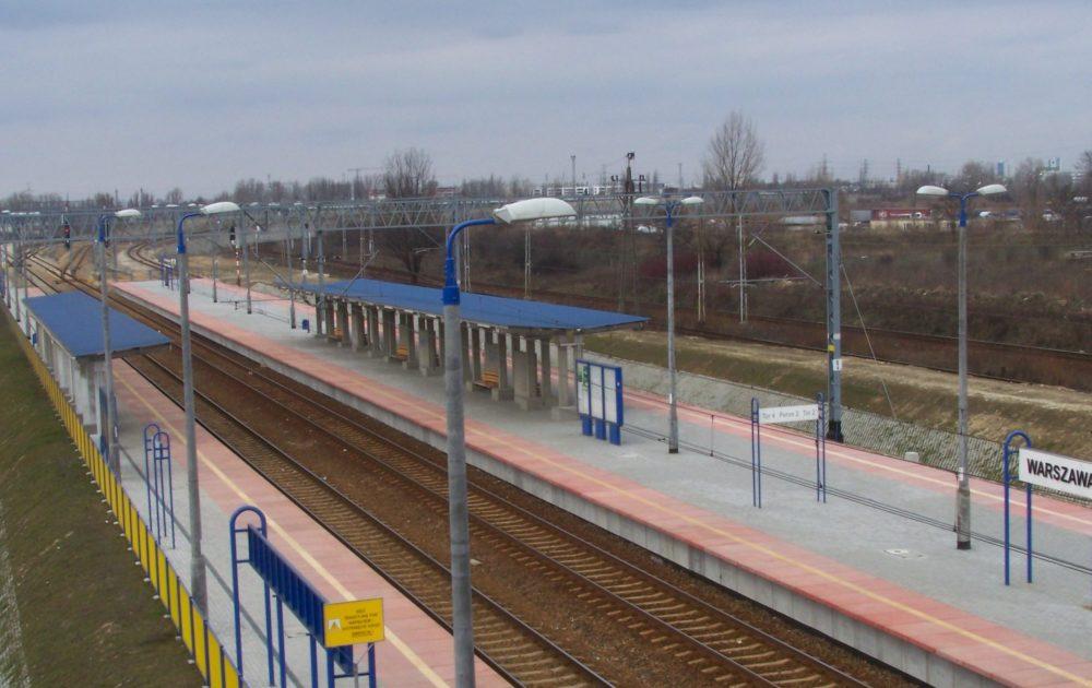 [QUIZ] Poznajecie te stacje i przystanki kolejowe w Warszawie?