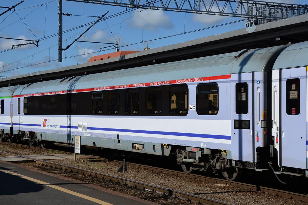 Ile wagonów w Polsce może jechać 200 km/h?