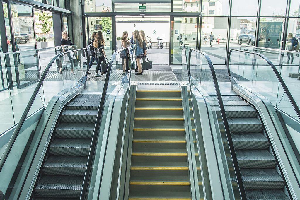 Katowicki dworzec po 1,5 roku odzyska ruchome schody