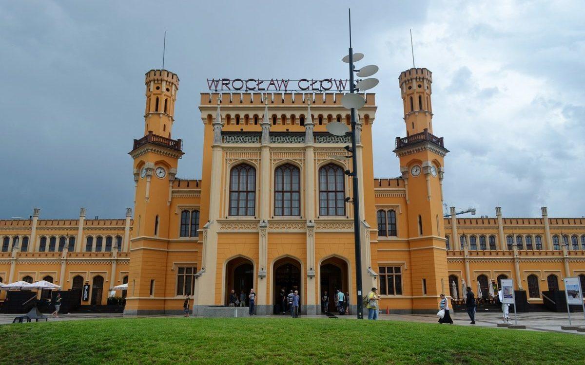 Wrocław Główny – pomnik rywalizacji towarzystw kolejowych