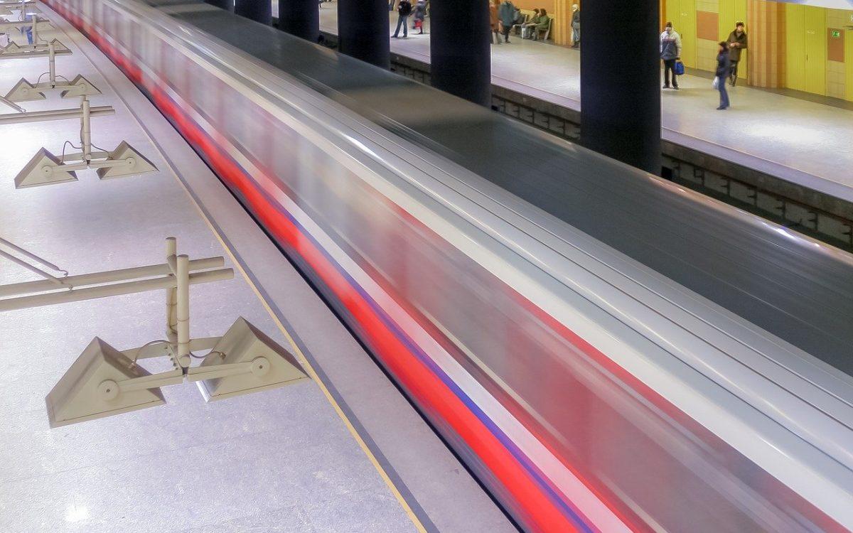 Warszawa rozbuduje obie linie metra, wybuduje trzecią