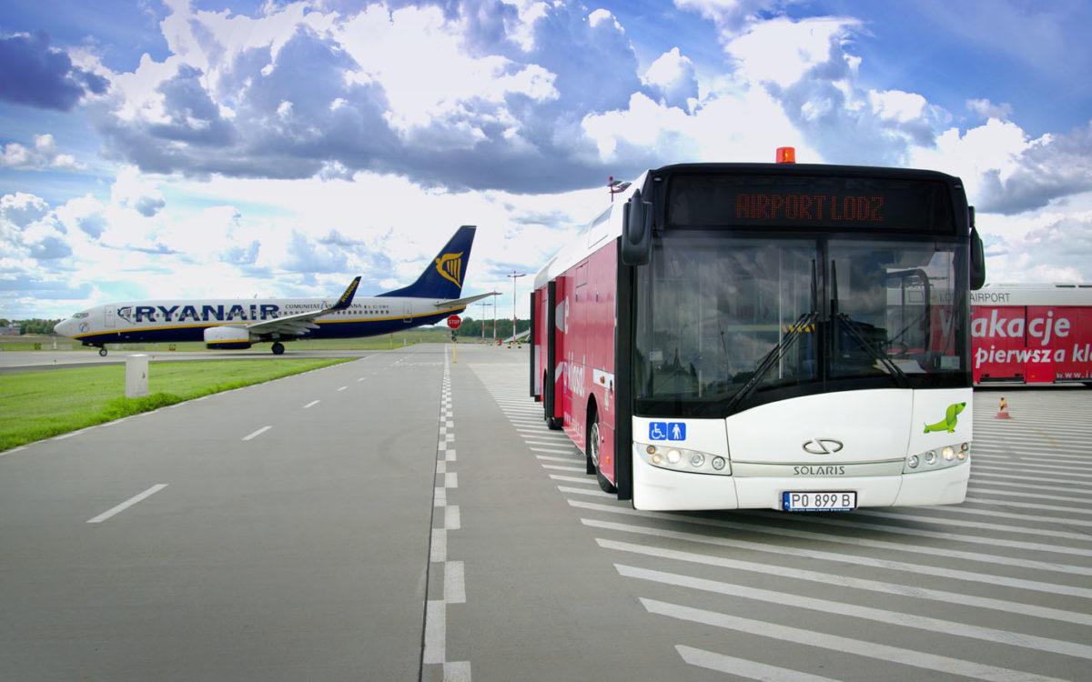 Boarding rękawem czy autobusem? Dlaczego stosuje się oba rodzaje?