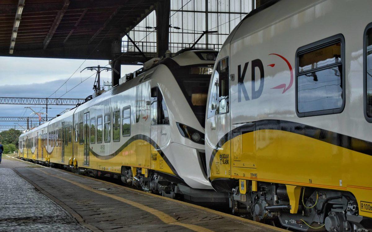 Maseczki dla pasażerów od kolejowych przewoźników